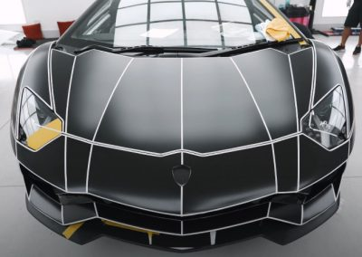 Lamborghini-with-a-car-wrap-with-design-lines